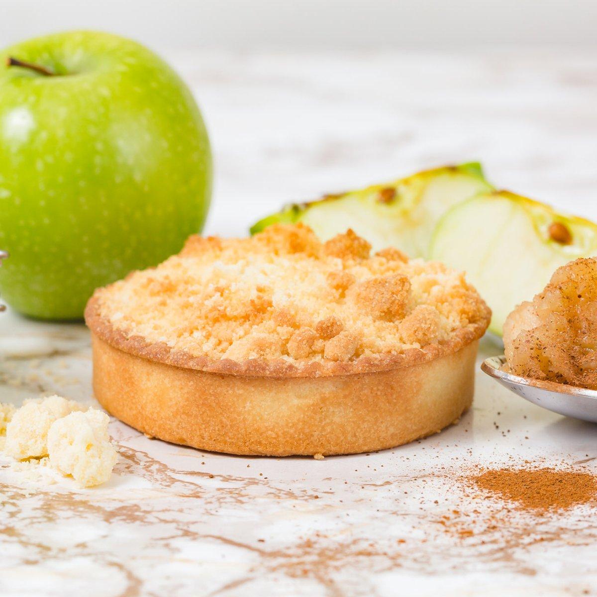 Apple and Cinnamon Crumble | Merci Beaucoup Cakes